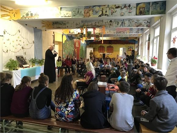 Deti v Jovse sa zapojili do modlitby za pokoj